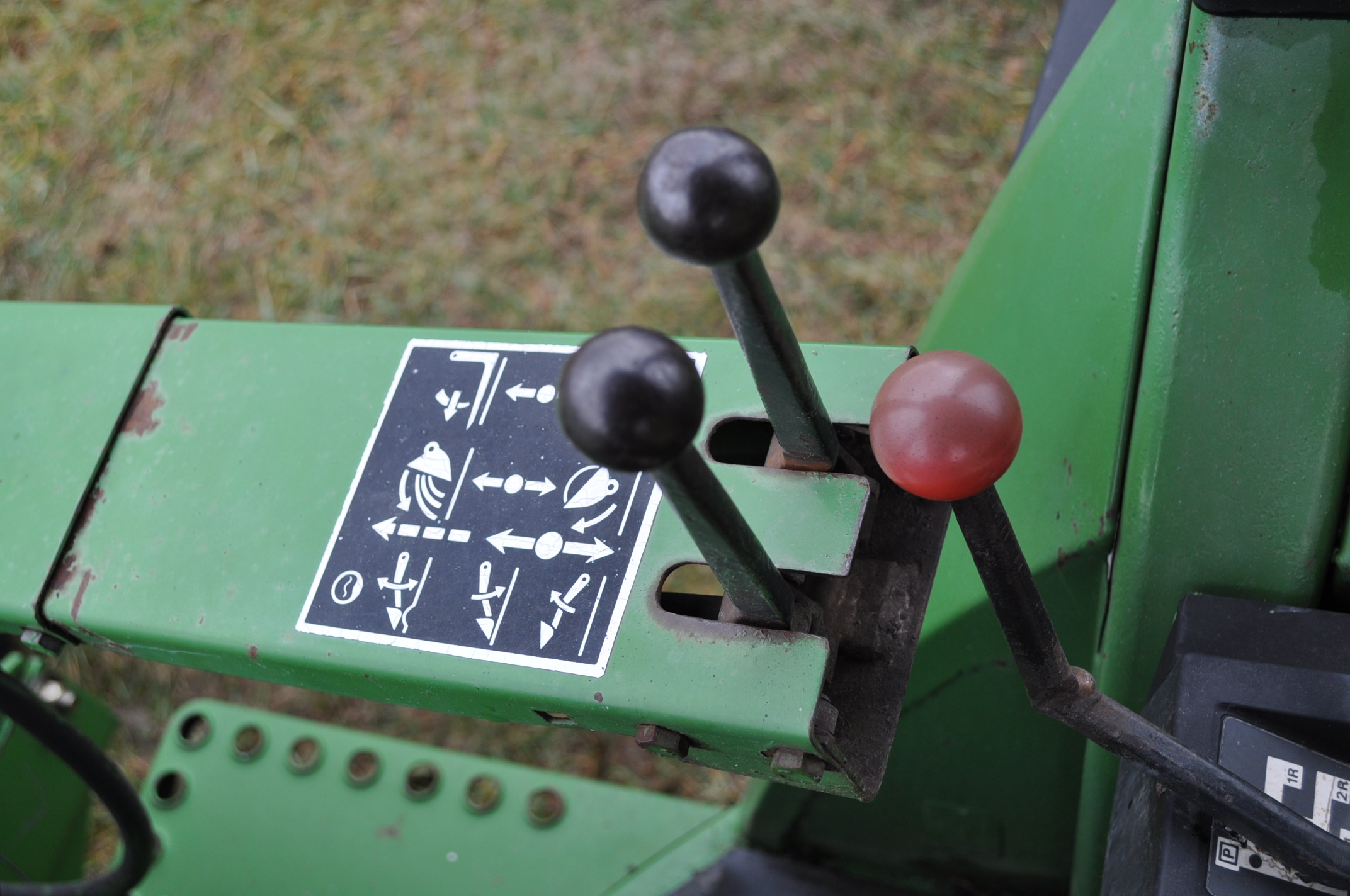 John Deere 4030 tractor, diesel, 18.4-34 rear duals, rear wts, 9.5-15 front, 4-post canopy, Syncro, - Image 21 of 26