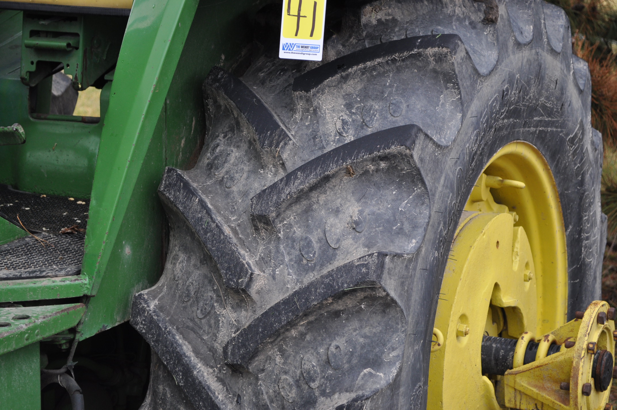 John Deere 4030 tractor, diesel, 18.4-34 rear duals, rear wts, 9.5-15 front, 4-post canopy, Syncro, - Image 6 of 26
