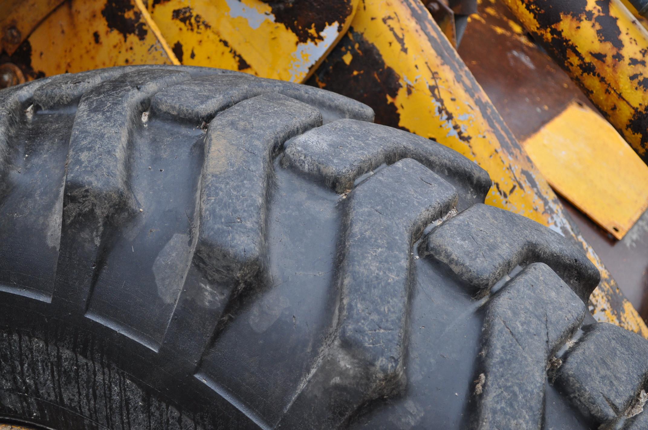John Deere 544 Payloader, 17.5-25 tires, shows 1074 hrs, SN 0767621 - Image 9 of 16