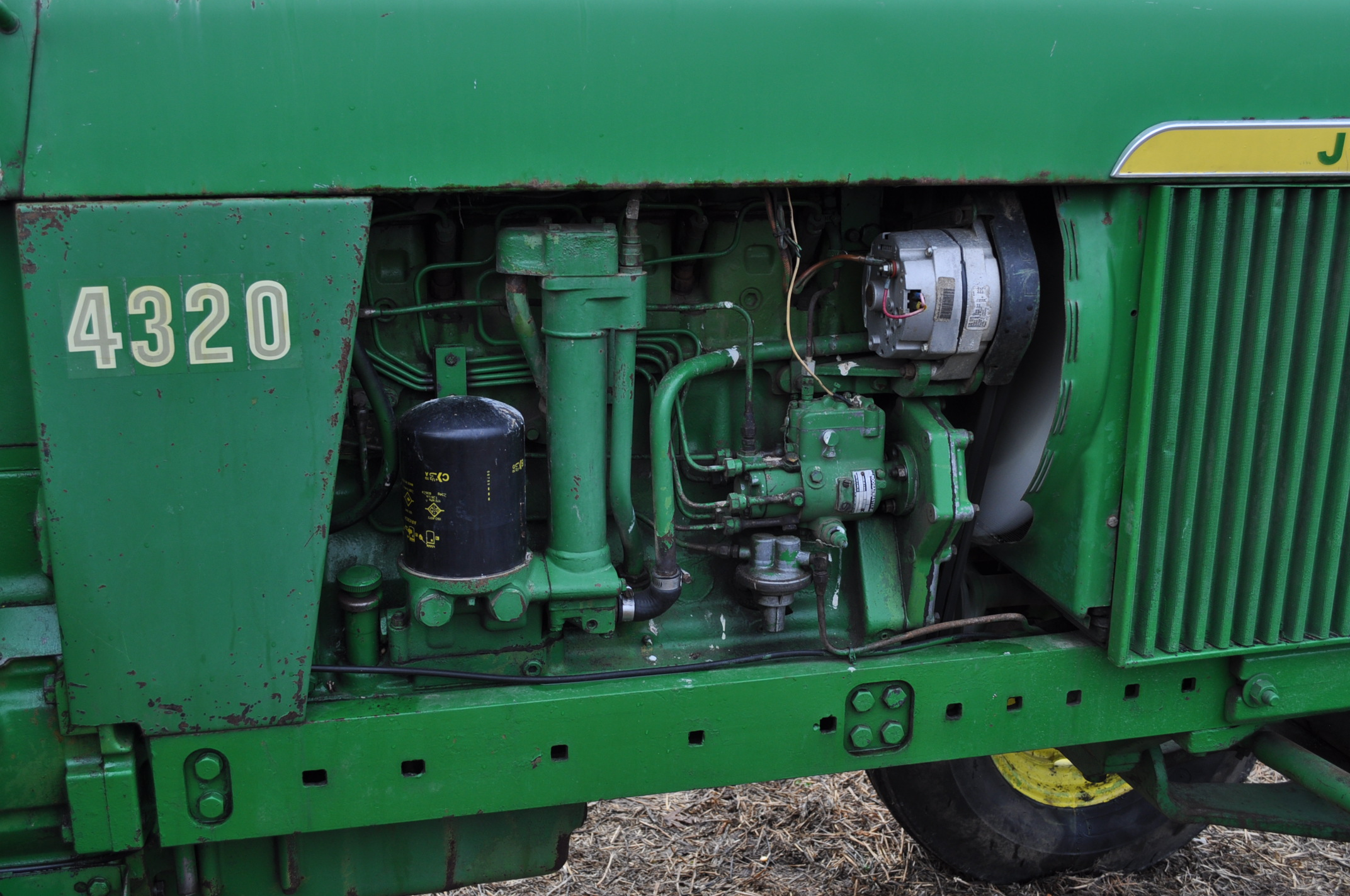 John Deere 4320 tractor, diesel, 18.4-38 duals, 10.00-16 wide front, Syncro, 2 hyd remotes, 540/1000 - Image 11 of 20