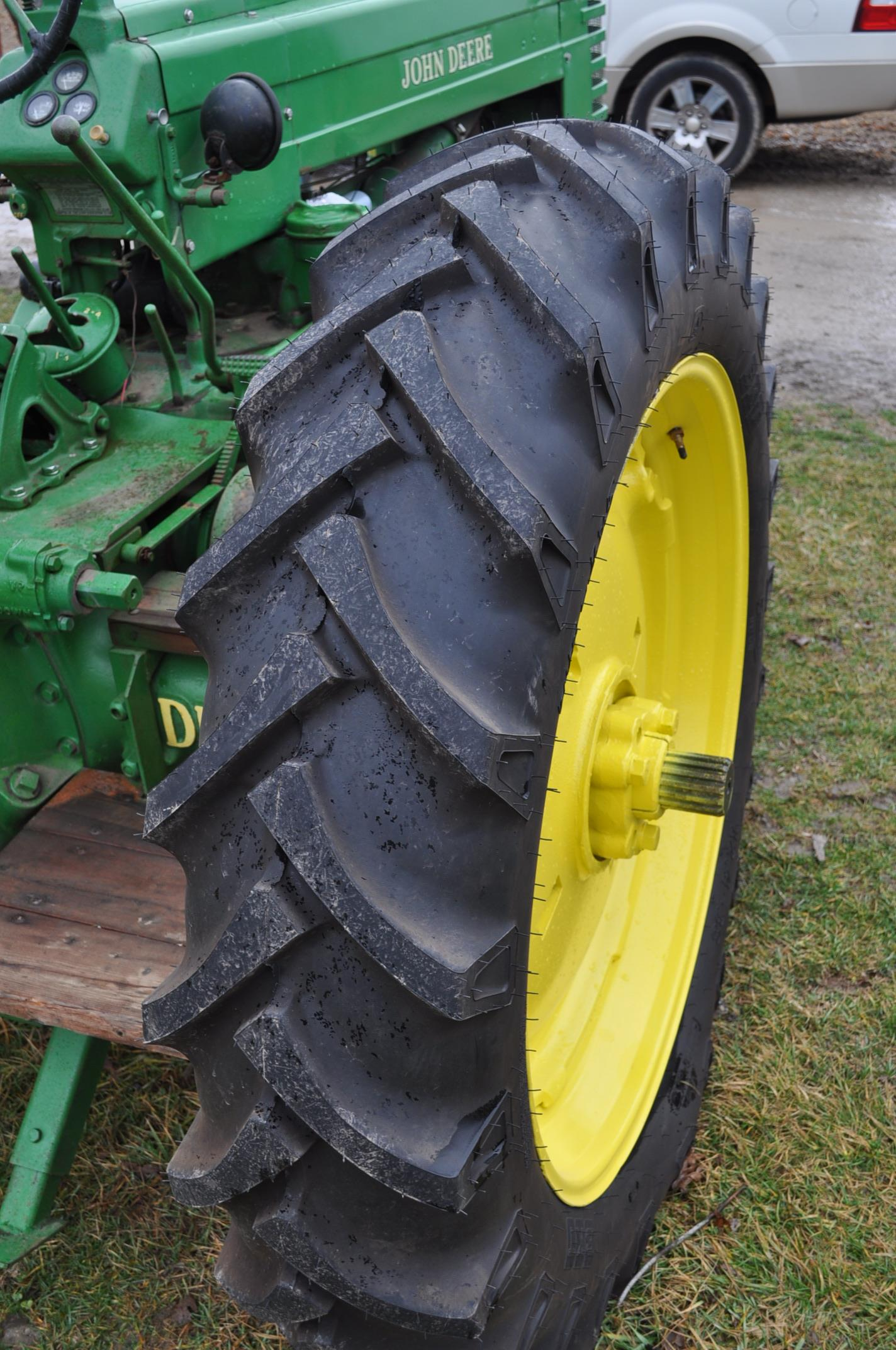 1942 John Deere Styled A, New 12.4-38 rear tires, narrow front, 540 pto - Image 7 of 15