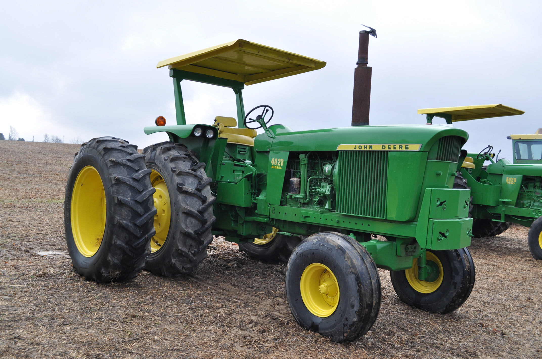 John Deere 4520 tractor, ***4520 frame with 4620 engine**** diesel, 18.4-38 new inside rear - Image 4 of 17