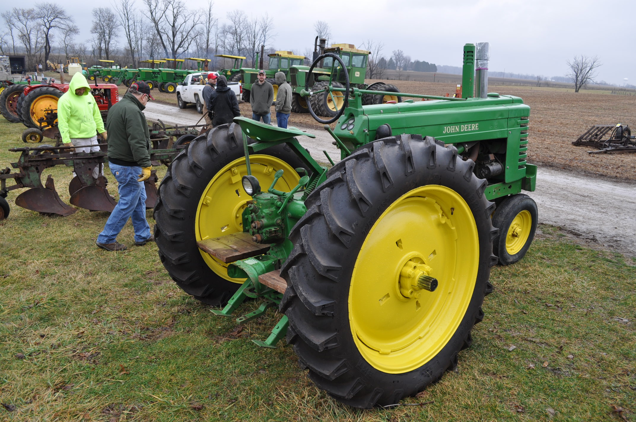 1942 John Deere Styled A, New 12.4-38 rear tires, narrow front, 540 pto - Image 3 of 15