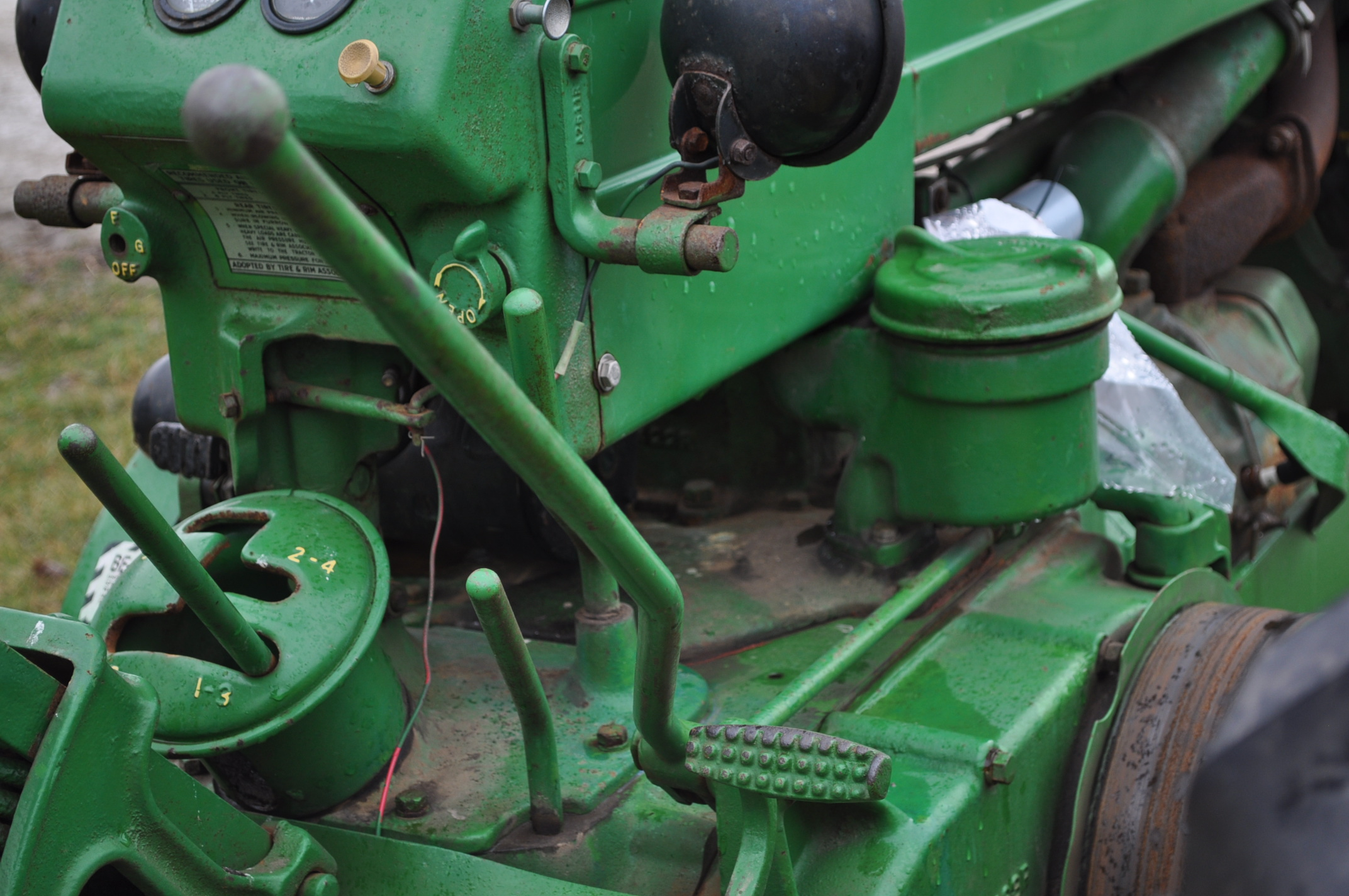1942 John Deere Styled A, New 12.4-38 rear tires, narrow front, 540 pto - Image 13 of 15