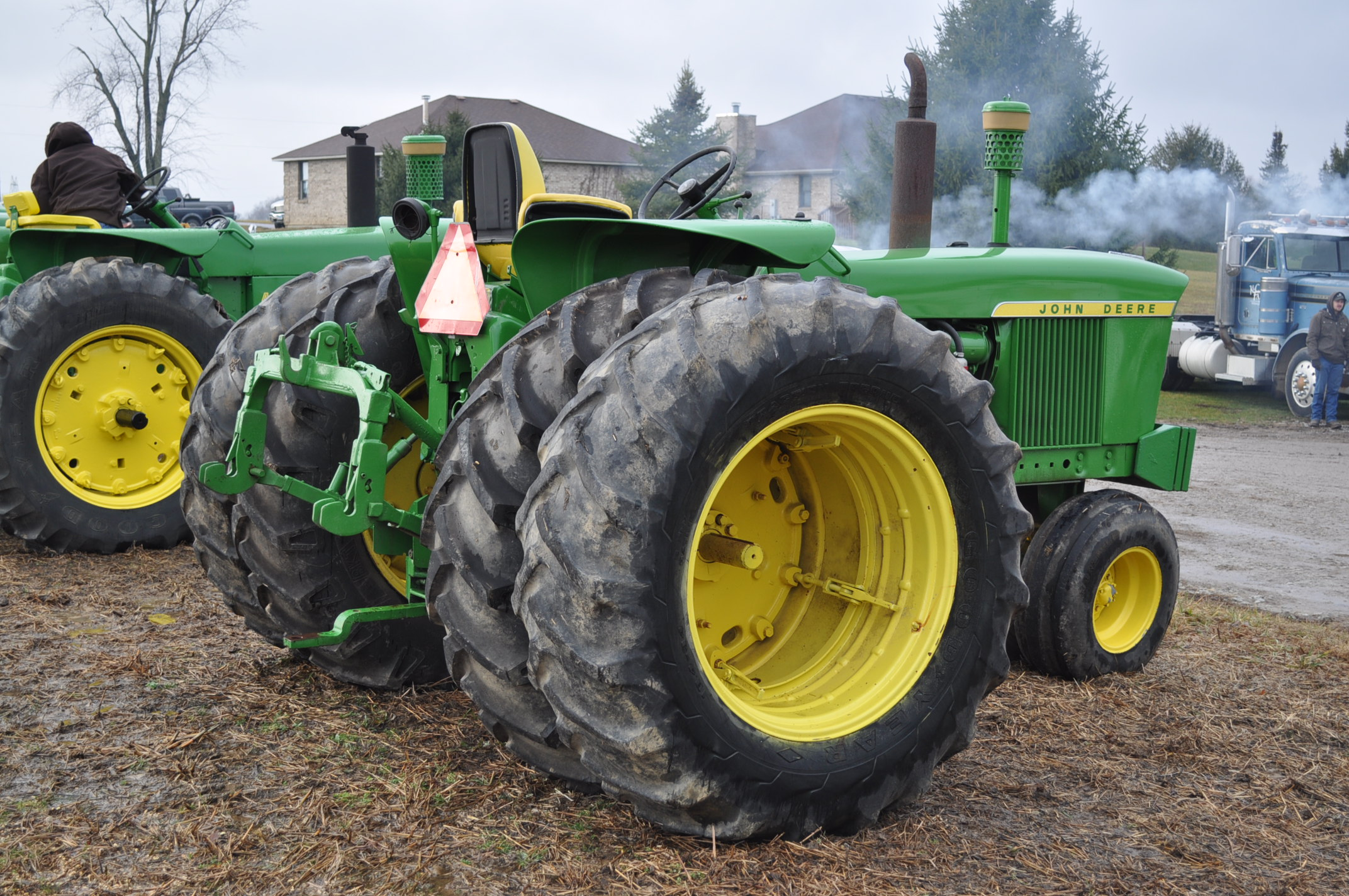 John Deere 3020 tractor, diesel, 18.4-34 rear, clamp on duals, 11L-15 narrow front, Syncro, 2 - Image 3 of 15