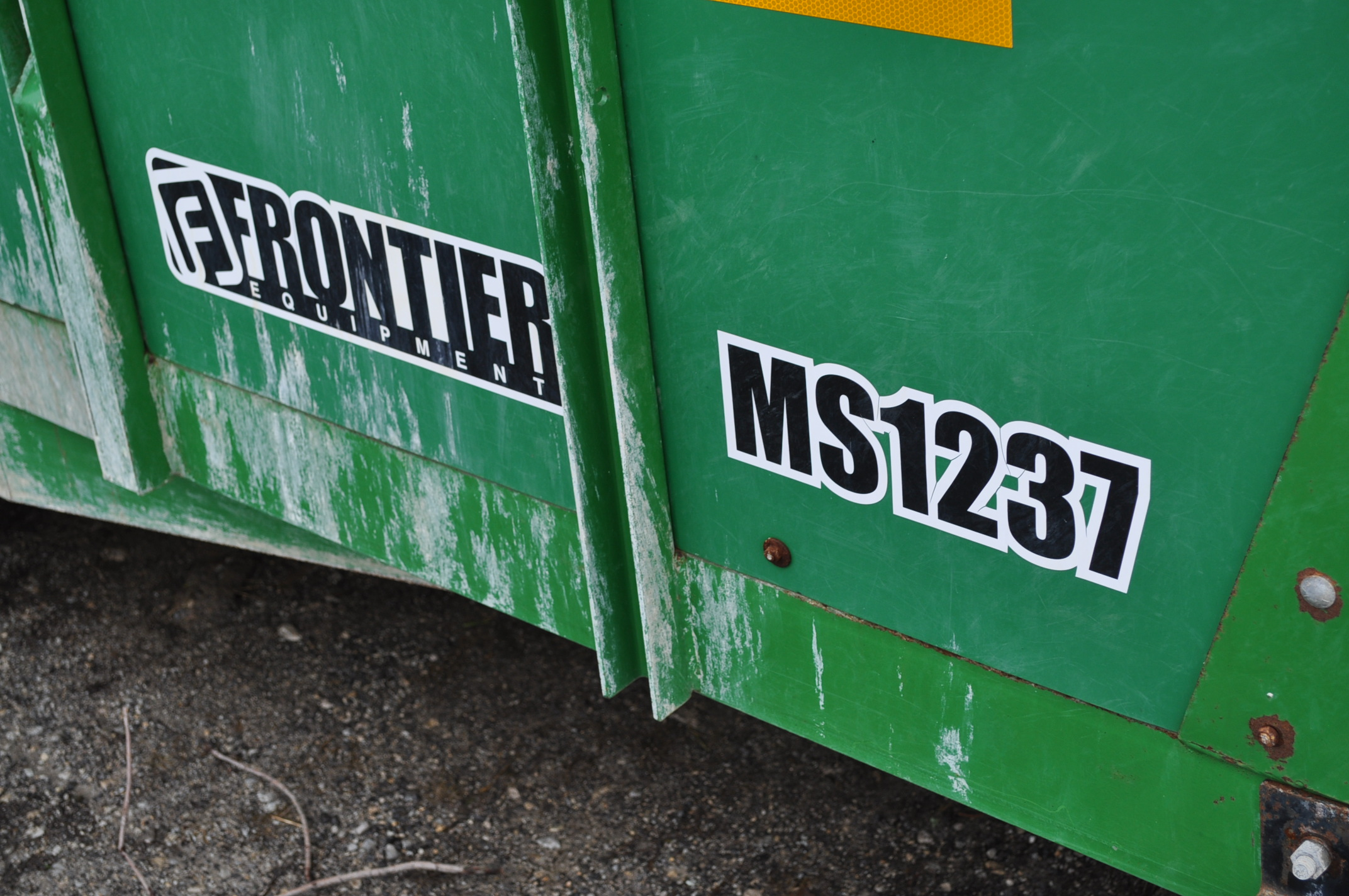 16' Frontier MS 1237 manure spreader, 540 pto, 16.5-16.1 tandem, slop gate, upper beater, has only - Image 5 of 13