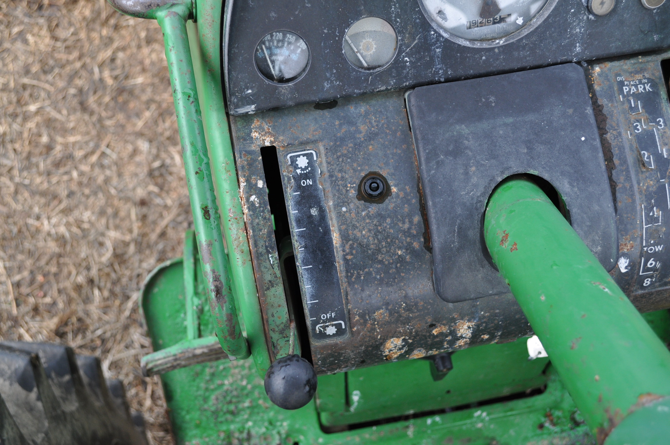 John Deere 4320 tractor, diesel, 18.4-38 duals, 10.00-16 wide front, Syncro, 2 hyd remotes, 540/1000 - Image 19 of 20