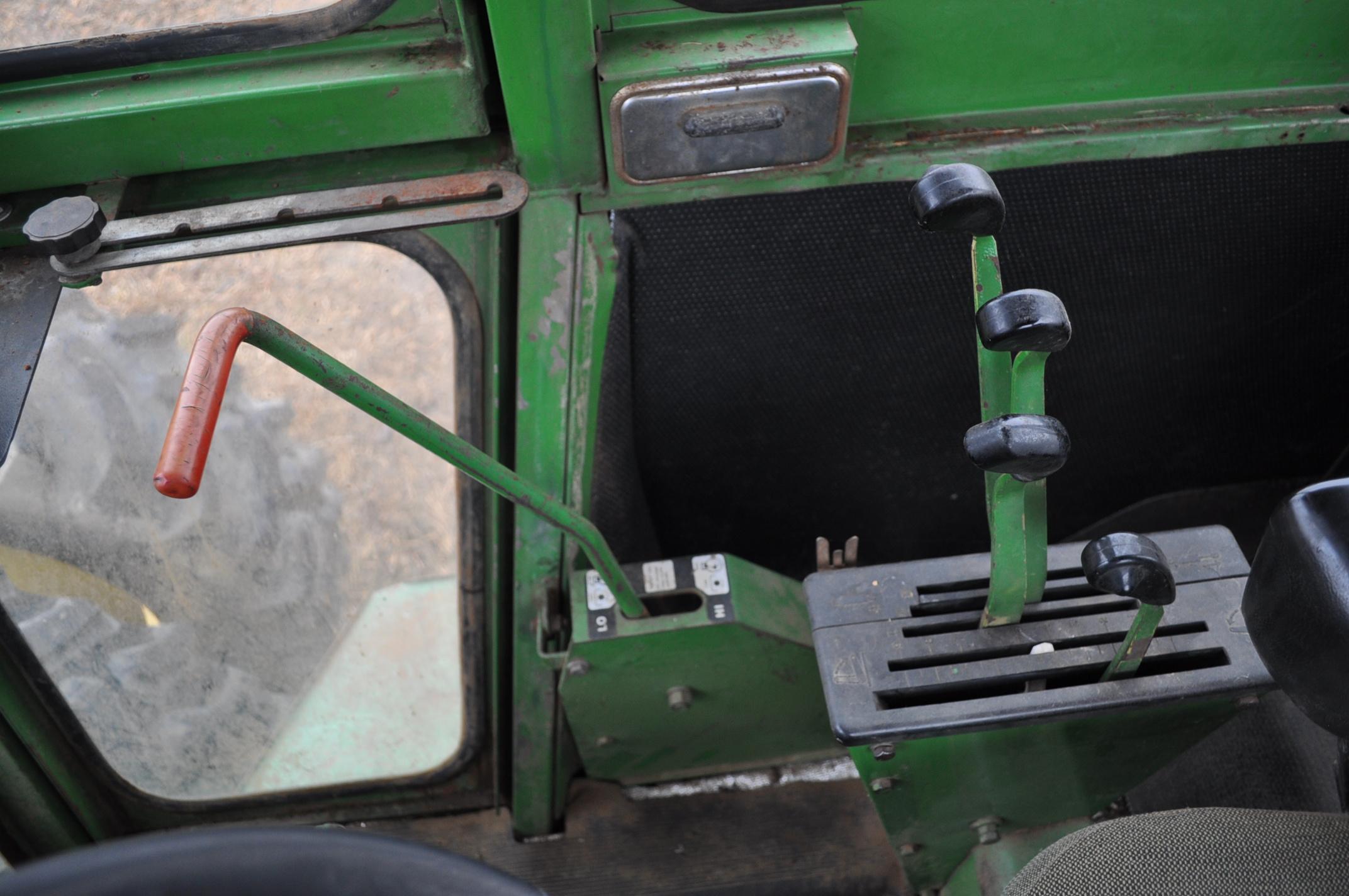 John Deere 7520 tractor, 4WD, diesel, 18.4-34 duals, original fenders, CHA, cab interior kit, 3 - Image 18 of 24