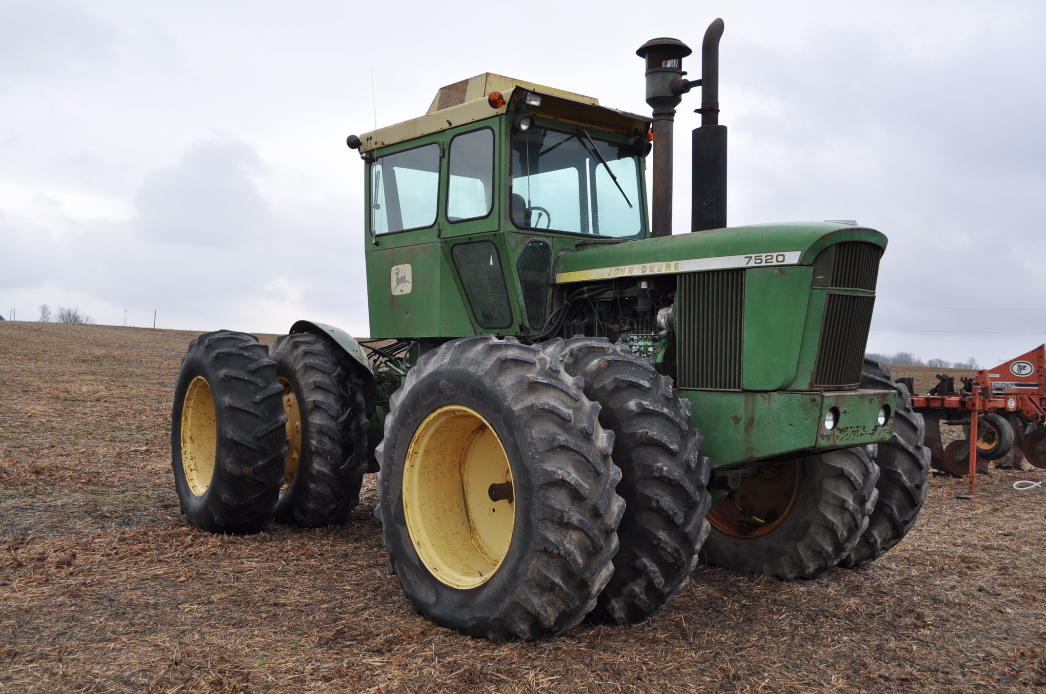 John Deere 7520 tractor, 4WD, diesel, 18.4-34 duals, original fenders, CHA, cab interior kit, 3 - Image 4 of 24