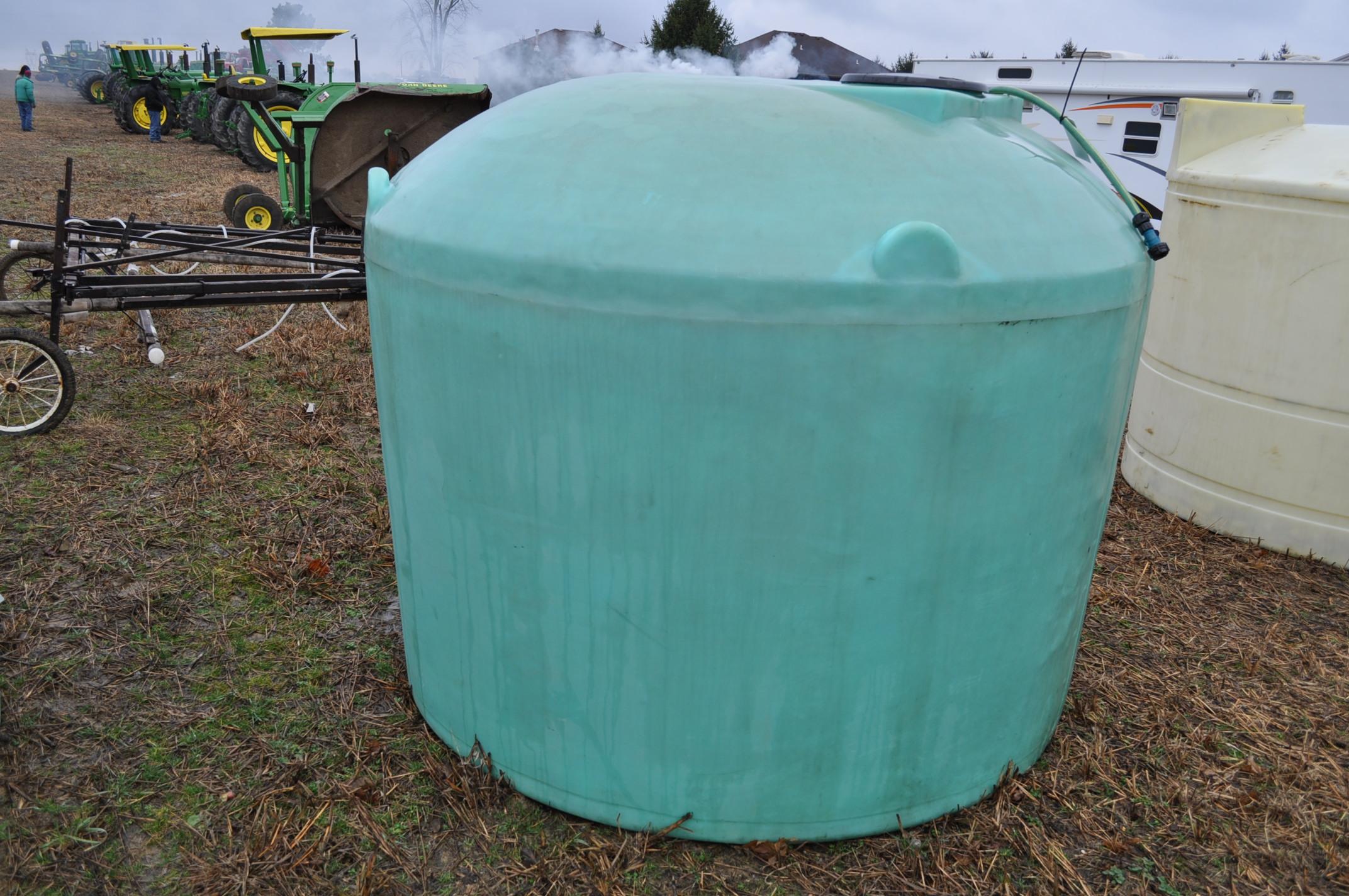 1200 gallon flat bottom poly tank - Image 4 of 5