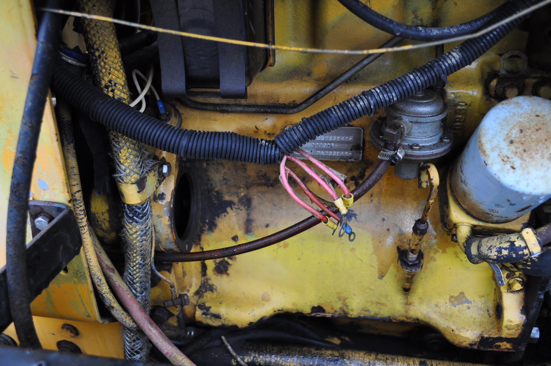 Vermeer V450 Trencher, parts machine, backhoe attachment, JD diesel, SN 1VRF082L2H1000460 - Image 13 of 15