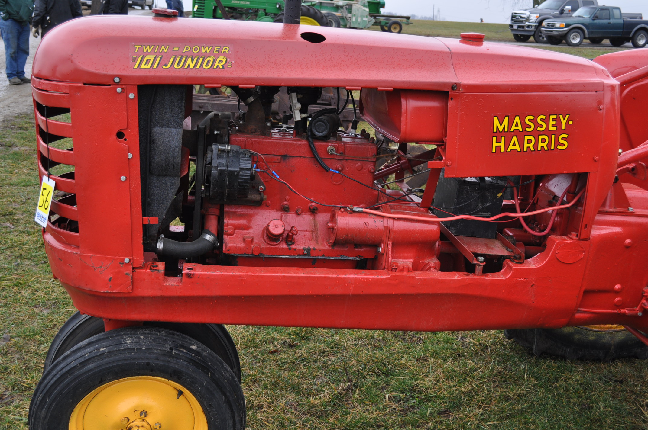 Massey Harris 101 Junior tractor, 12-38 tires, narrow front, 540 pto, SN 501605 - Image 9 of 12