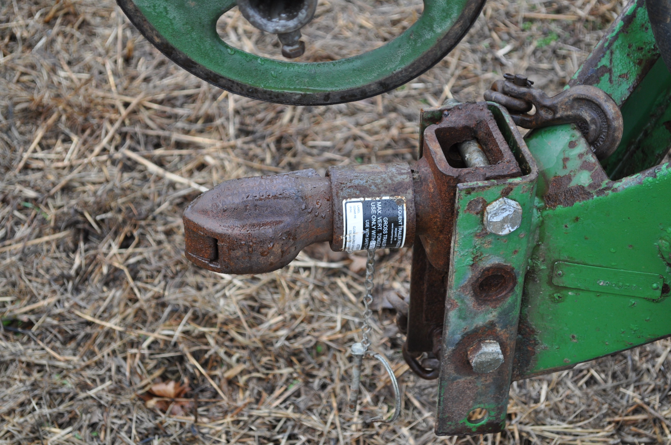 John Deere 535 pull-type sprayer, 350 gallon tank, 30' boom - Image 11 of 11