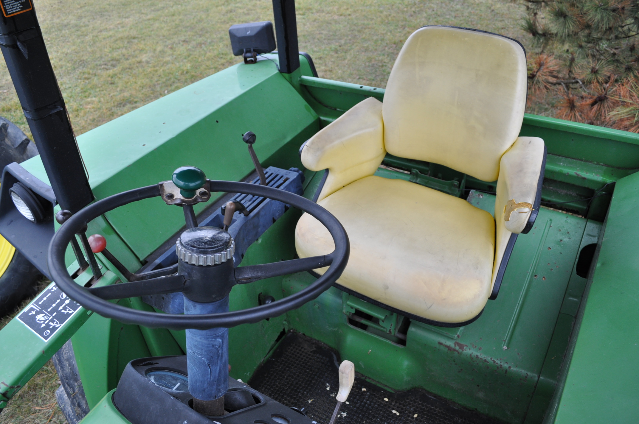 John Deere 4030 tractor, diesel, 18.4-34 rear duals, rear wts, 9.5-15 front, 4-post canopy, Syncro, - Image 19 of 26
