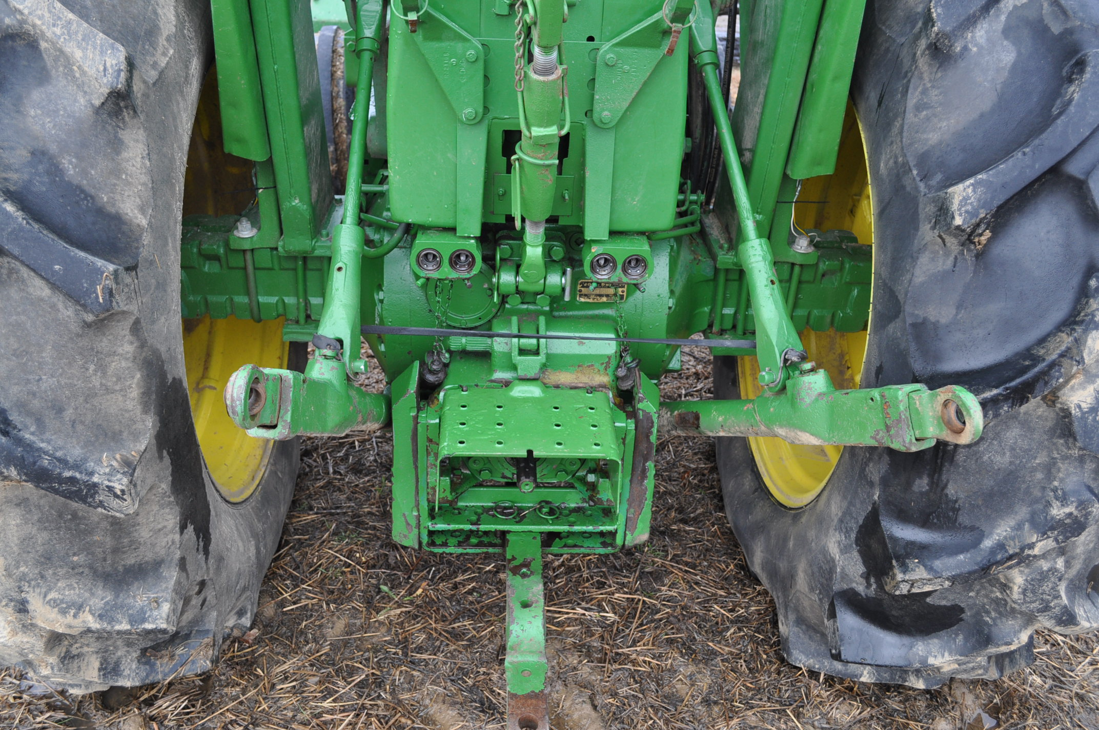 John Deere 4020 tractor, diesel, 18.4-34 tires w/ clamp on dual rims, 11L-15 front, ROPS w/ - Image 15 of 22