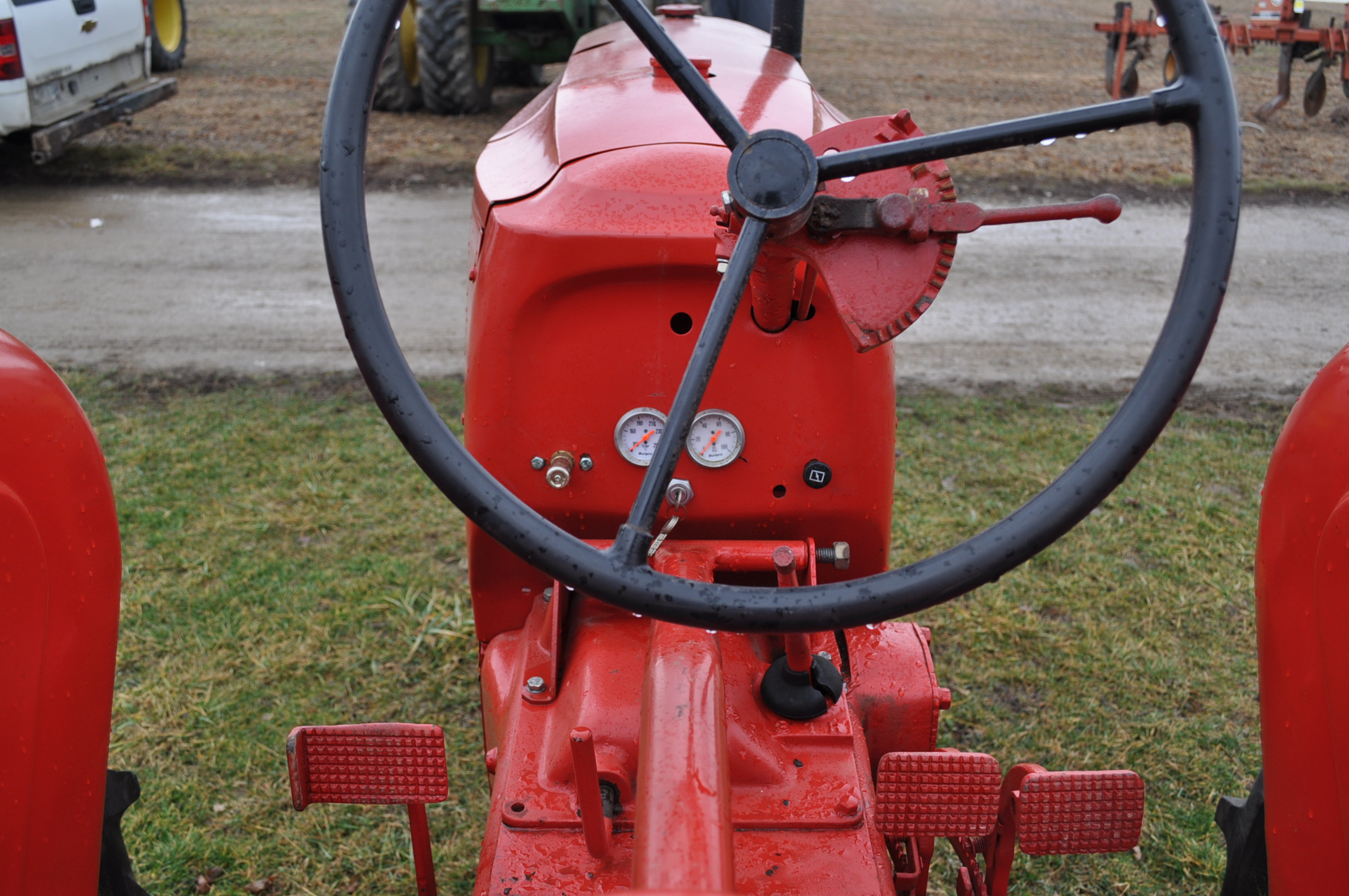 Massey Harris 101 Junior tractor, 12-38 tires, narrow front, 540 pto, SN 501605 - Image 11 of 12