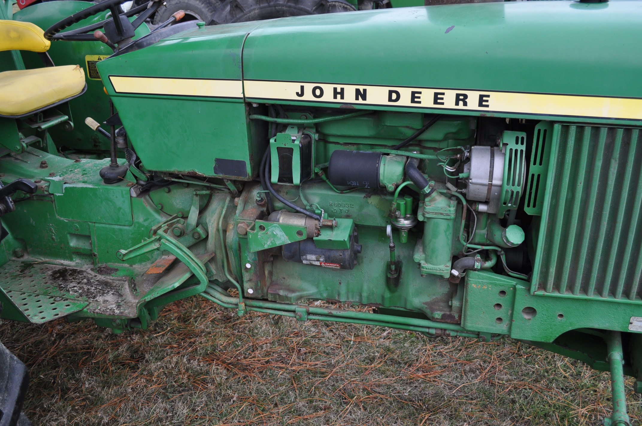 John Deere 2630 tractor, diesel, 16.9-28 rear, 9.5-15 front, 1 hyd remote, 540 pto, 3 pt, 4260 - Image 10 of 18