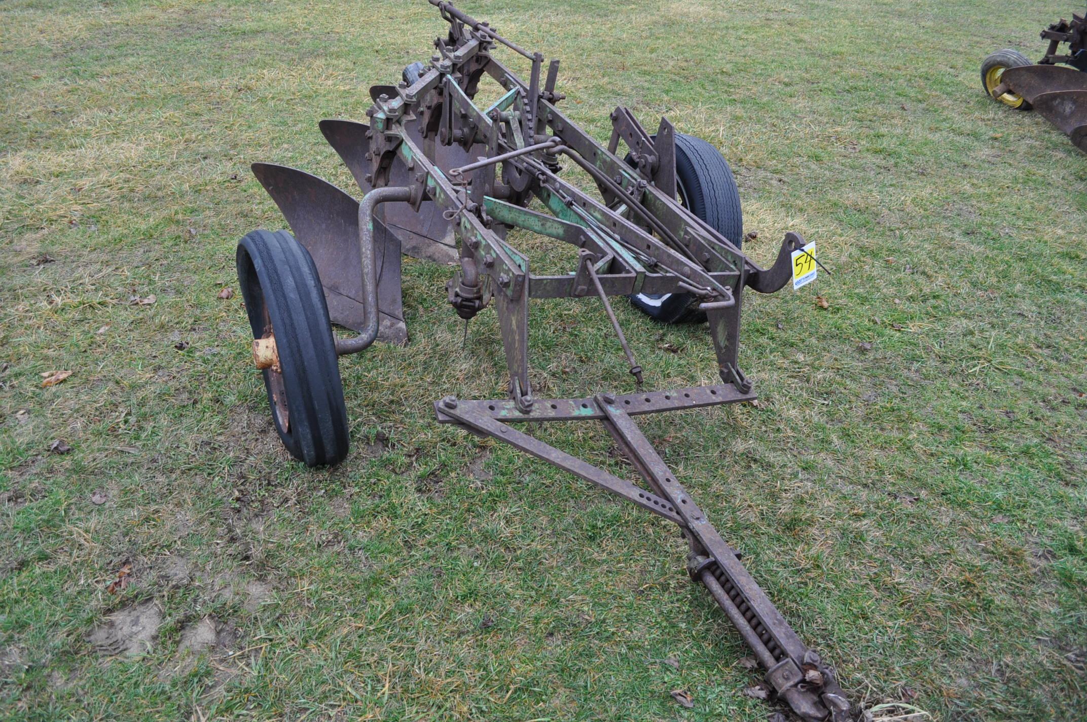 "John Deere 3-btm x 16"" plow, pull-type"