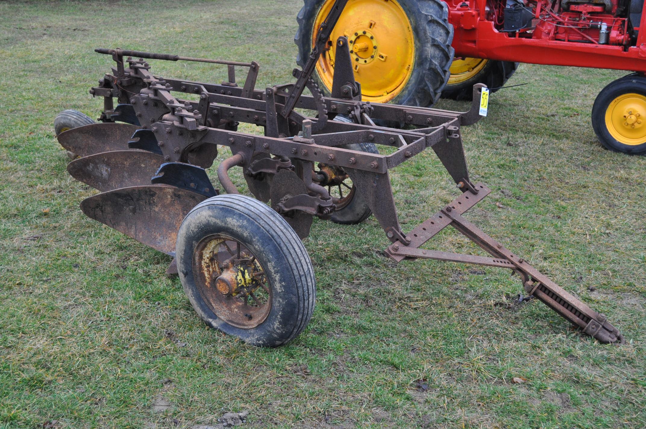 "John Deere 3-btm x 16"" plow, pull-type - Image 4 of 7"