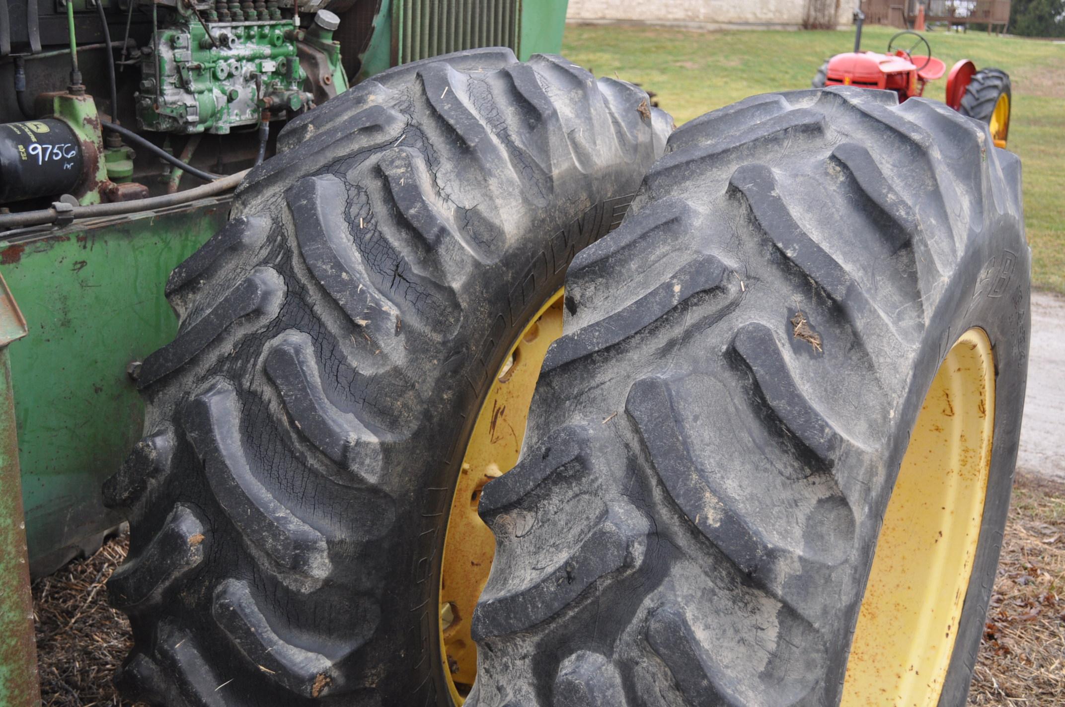 John Deere 7520 tractor, 4WD, diesel, 18.4-34 duals, original fenders, CHA, cab interior kit, 3 - Image 8 of 24