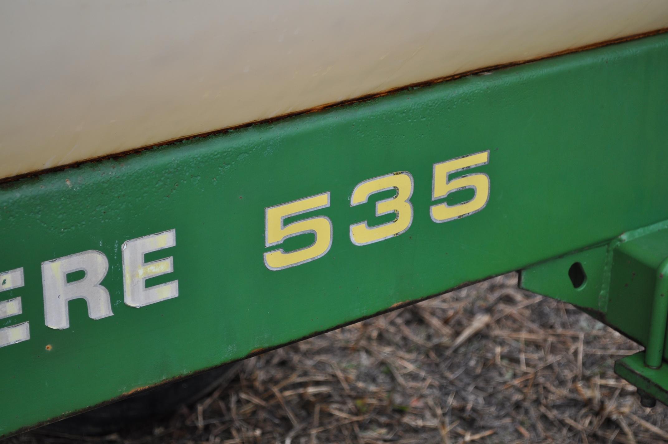John Deere 535 pull-type sprayer, 350 gallon tank, 30' boom - Image 3 of 11