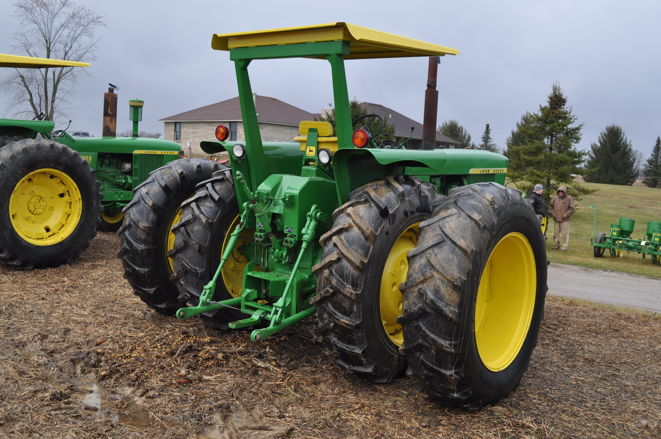 John Deere 4520 tractor, ***4520 frame with 4620 engine**** diesel, 18.4-38 new inside rear - Image 3 of 17