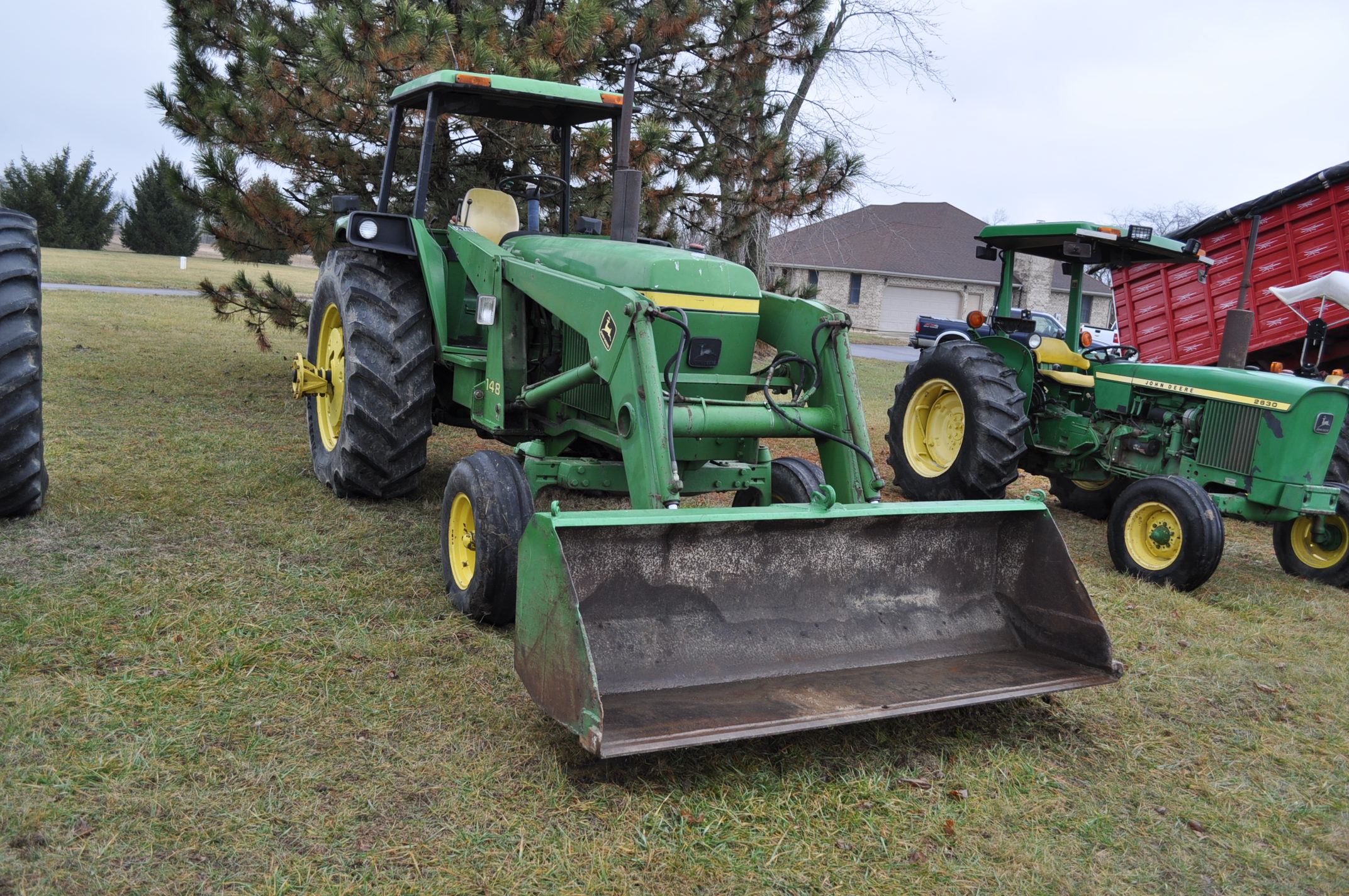 John Deere 4030 tractor, diesel, 18.4-34 rear duals, rear wts, 9.5-15 front, 4-post canopy, Syncro, - Image 4 of 26