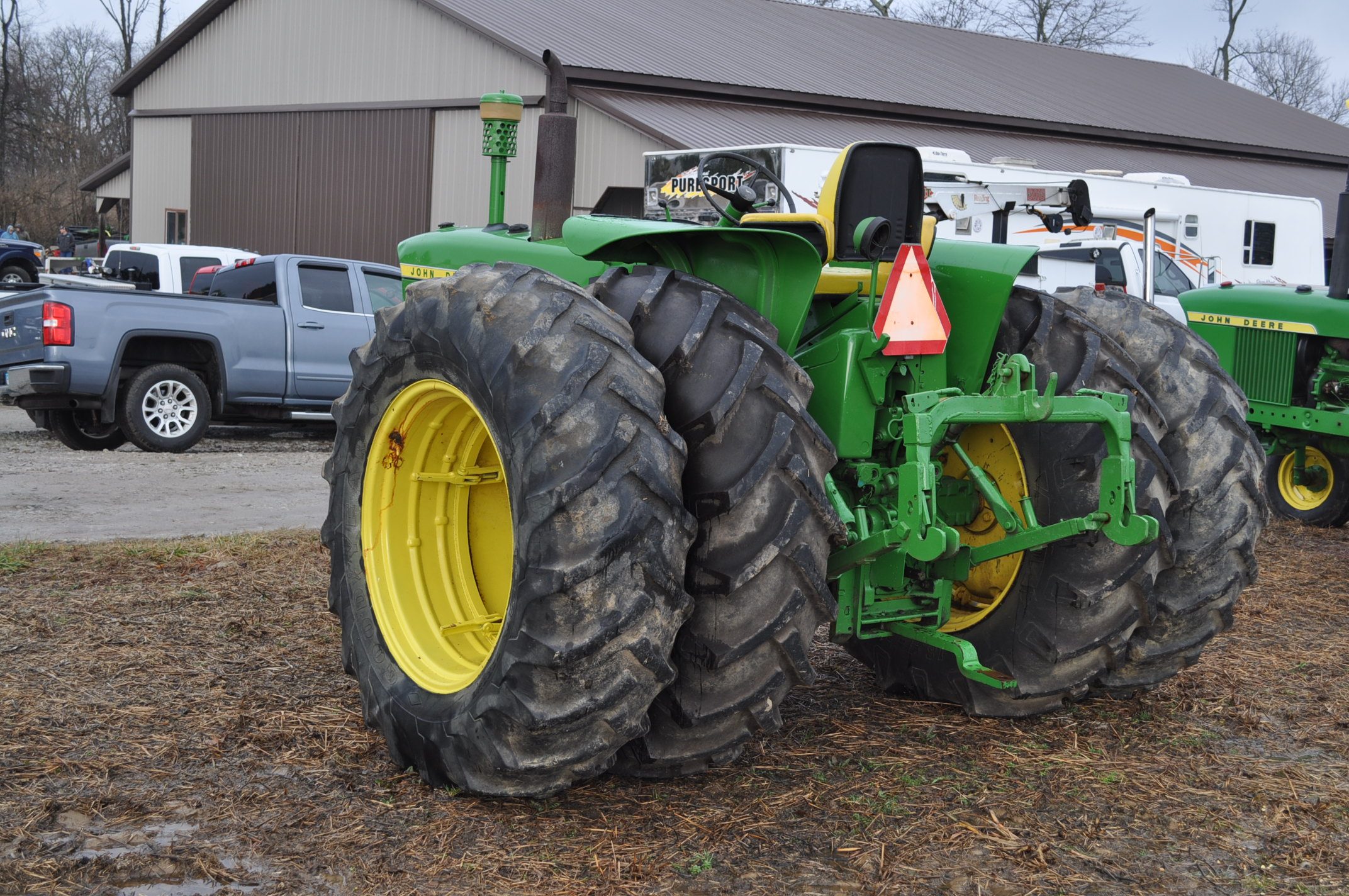 John Deere 3020 tractor, diesel, 18.4-34 rear, clamp on duals, 11L-15 narrow front, Syncro, 2 - Image 2 of 15