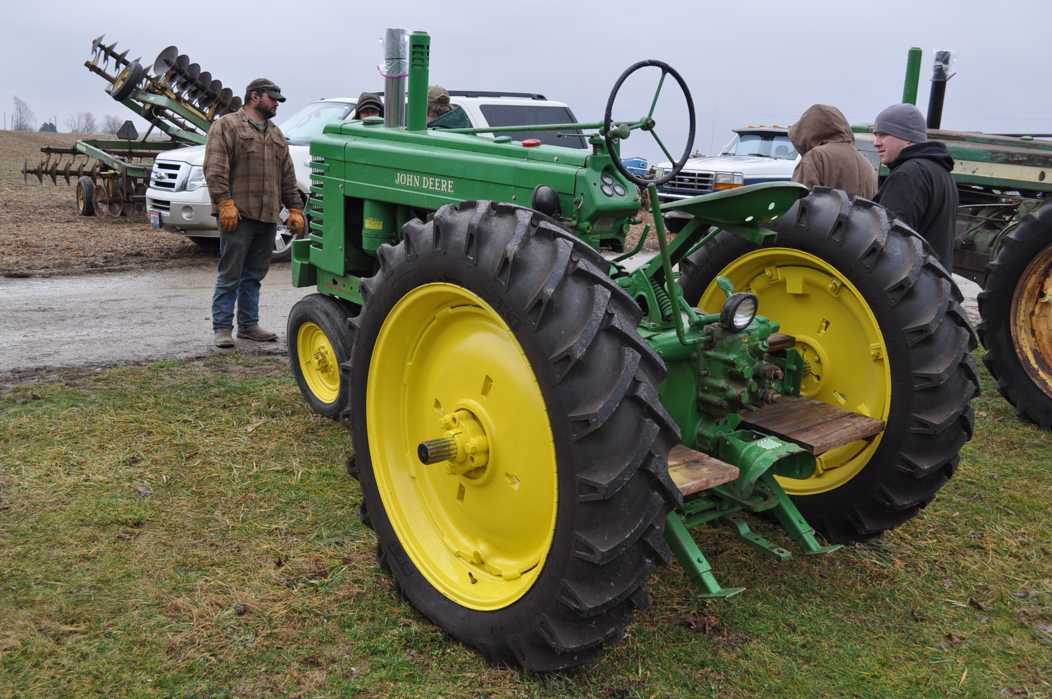 1942 John Deere Styled A, New 12.4-38 rear tires, narrow front, 540 pto - Image 2 of 15