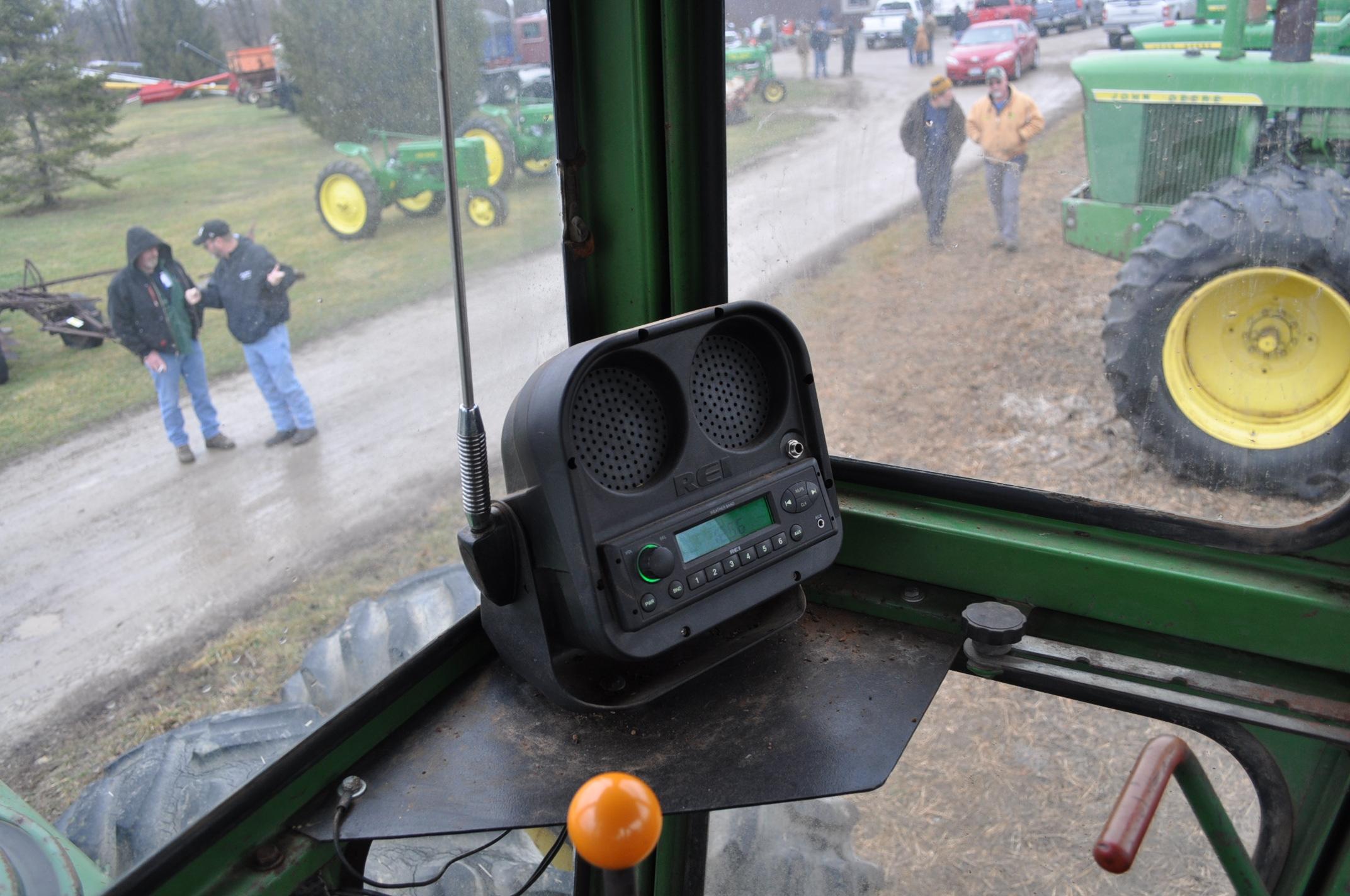 John Deere 7520 tractor, 4WD, diesel, 18.4-34 duals, original fenders, CHA, cab interior kit, 3 - Image 24 of 24