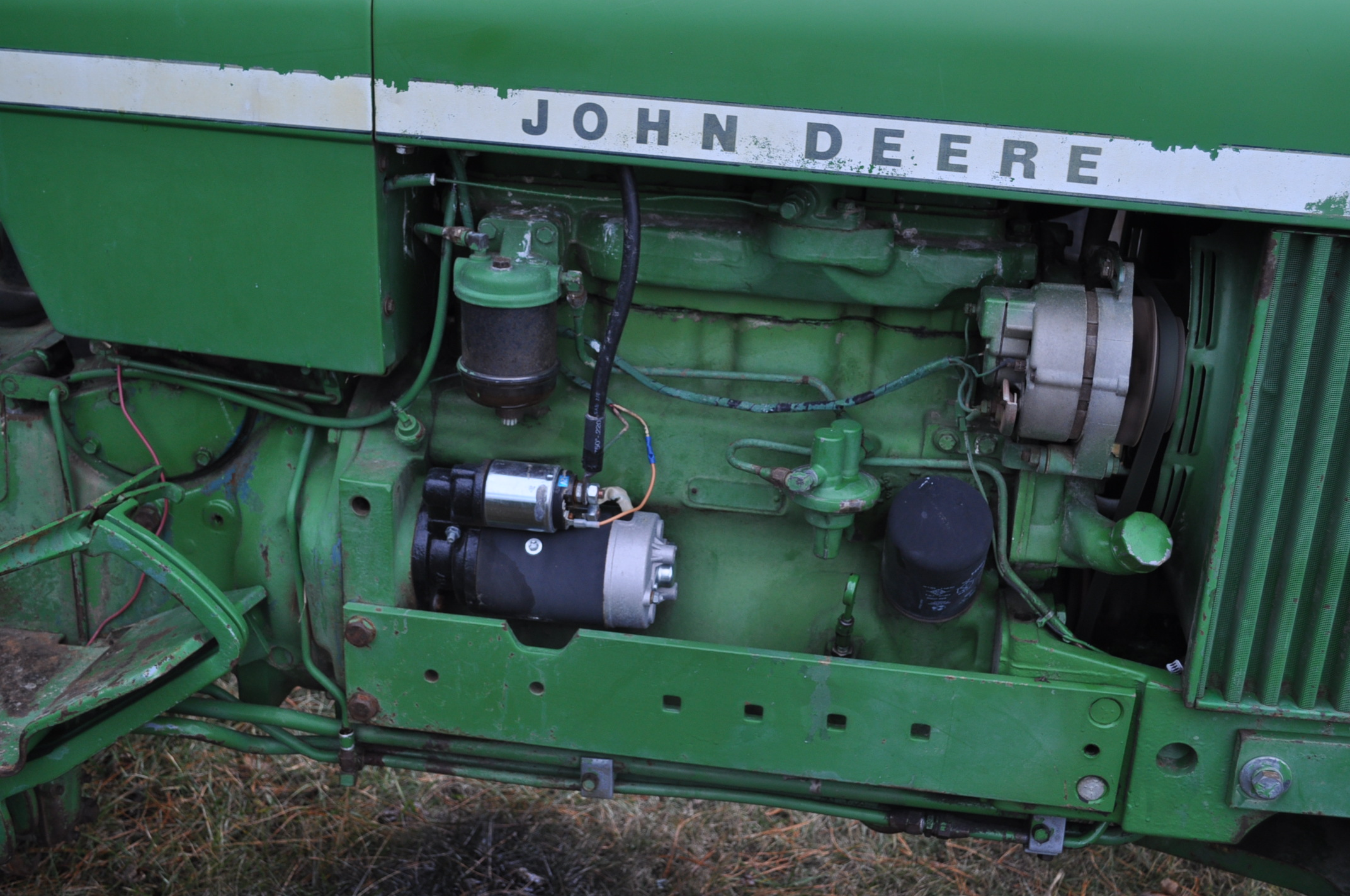 John Deere 2030 tractor, diesel, 16.9-28 rear, 7.5-15 front, canopy, power shuttle, 2 hyd remotes, - Image 9 of 20