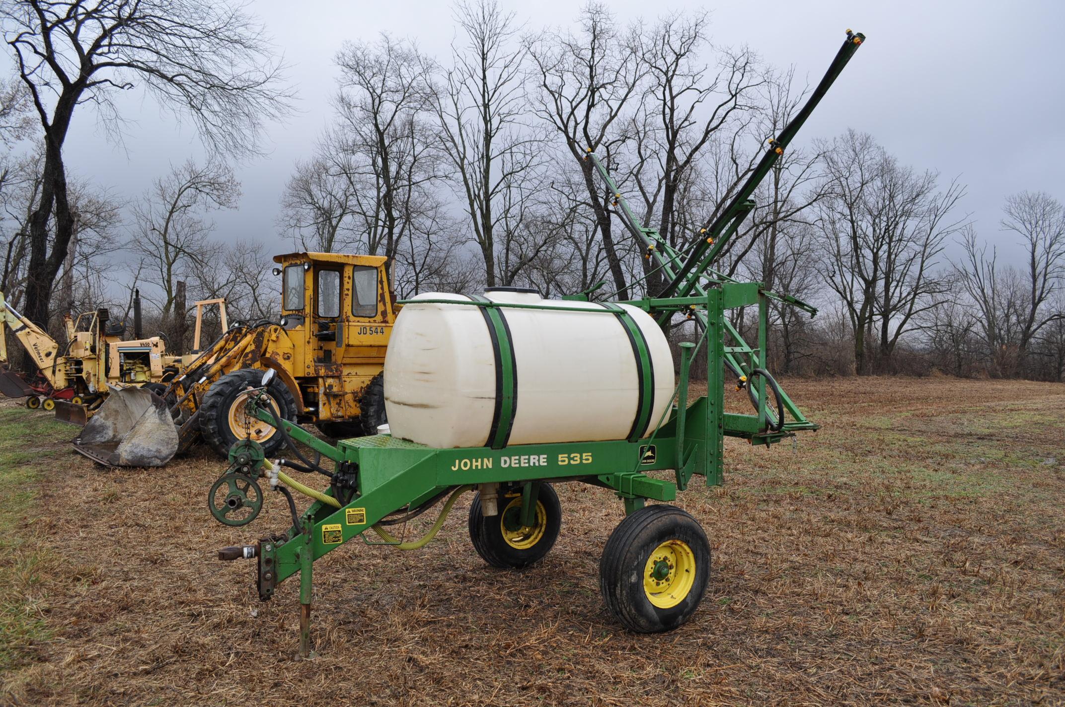 John Deere 535 pull-type sprayer, 350 gallon tank, 30' boom