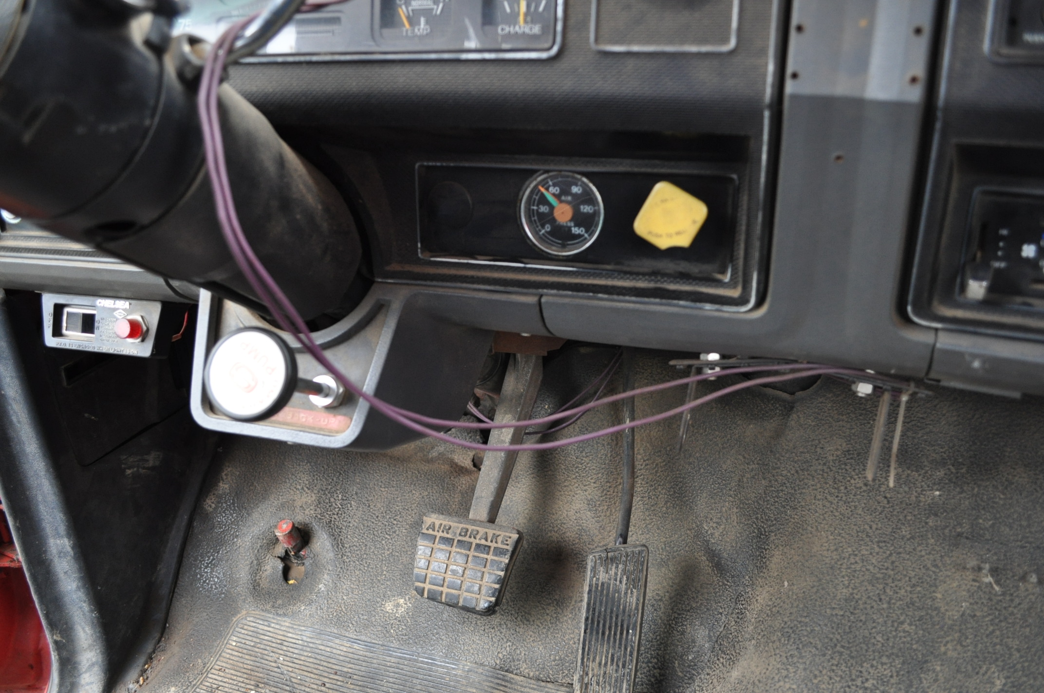 1988 Ford F800 grain truck, single axle, 427 V-8, auto, 11 R 22.5 tires, 16' Omaha Standard bed, - Image 14 of 17