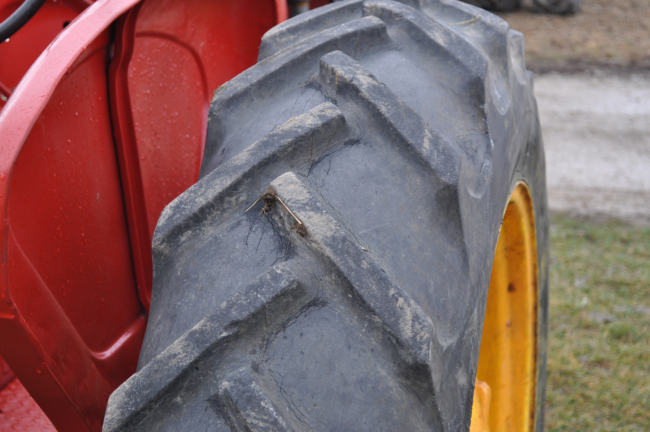 Massey Harris 101 Junior tractor, 12-38 tires, narrow front, 540 pto, SN 501605 - Image 7 of 12