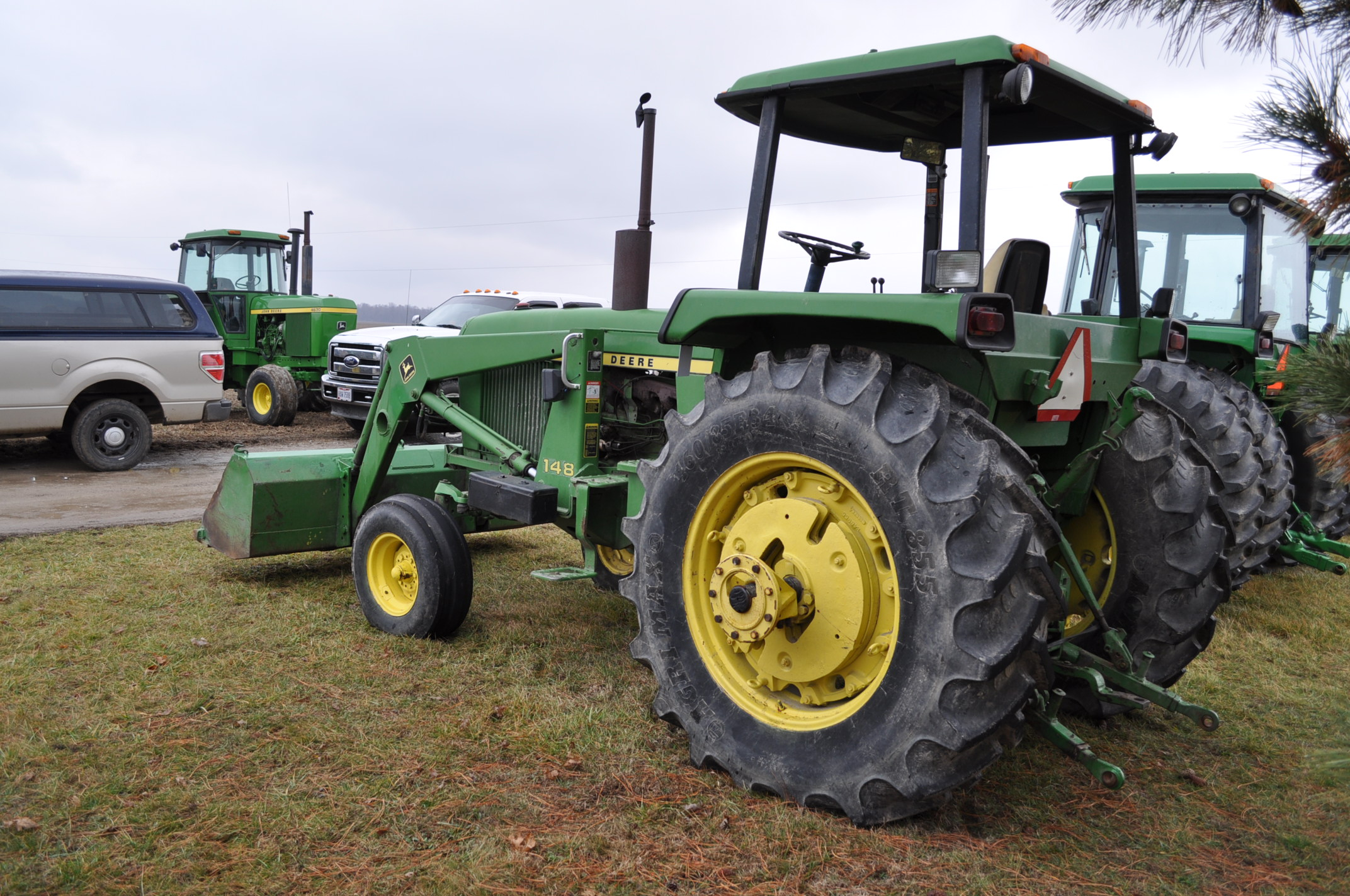 John Deere 4030 tractor, diesel, 18.4-34 rear duals, rear wts, 9.5-15 front, 4-post canopy, Syncro, - Image 2 of 26