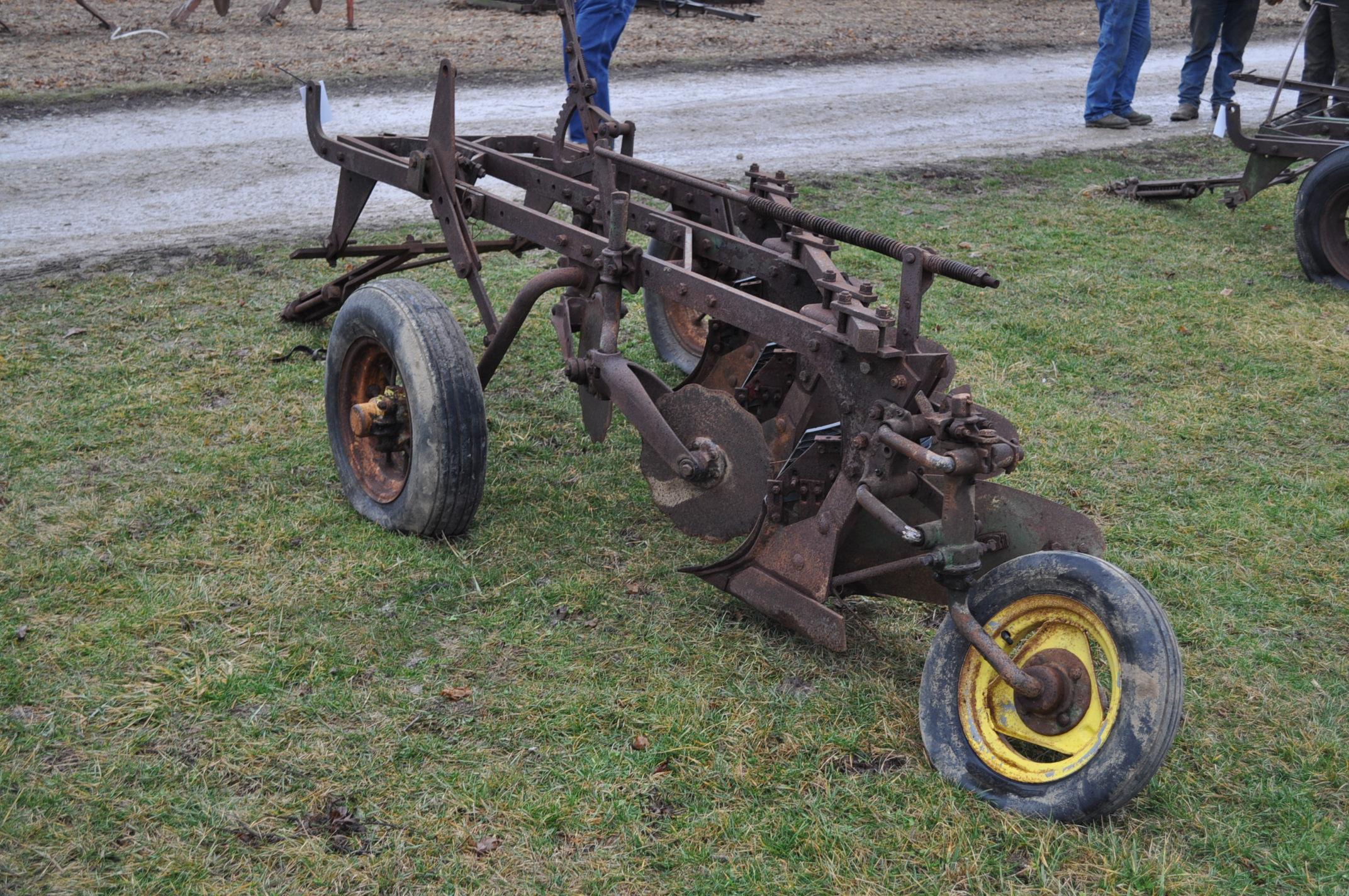 "John Deere 3-btm x 16"" plow, pull-type - Image 2 of 7"