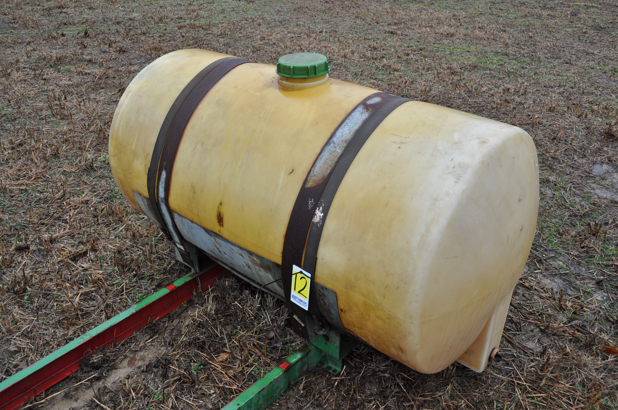 200 gallon round poly tank with cradle