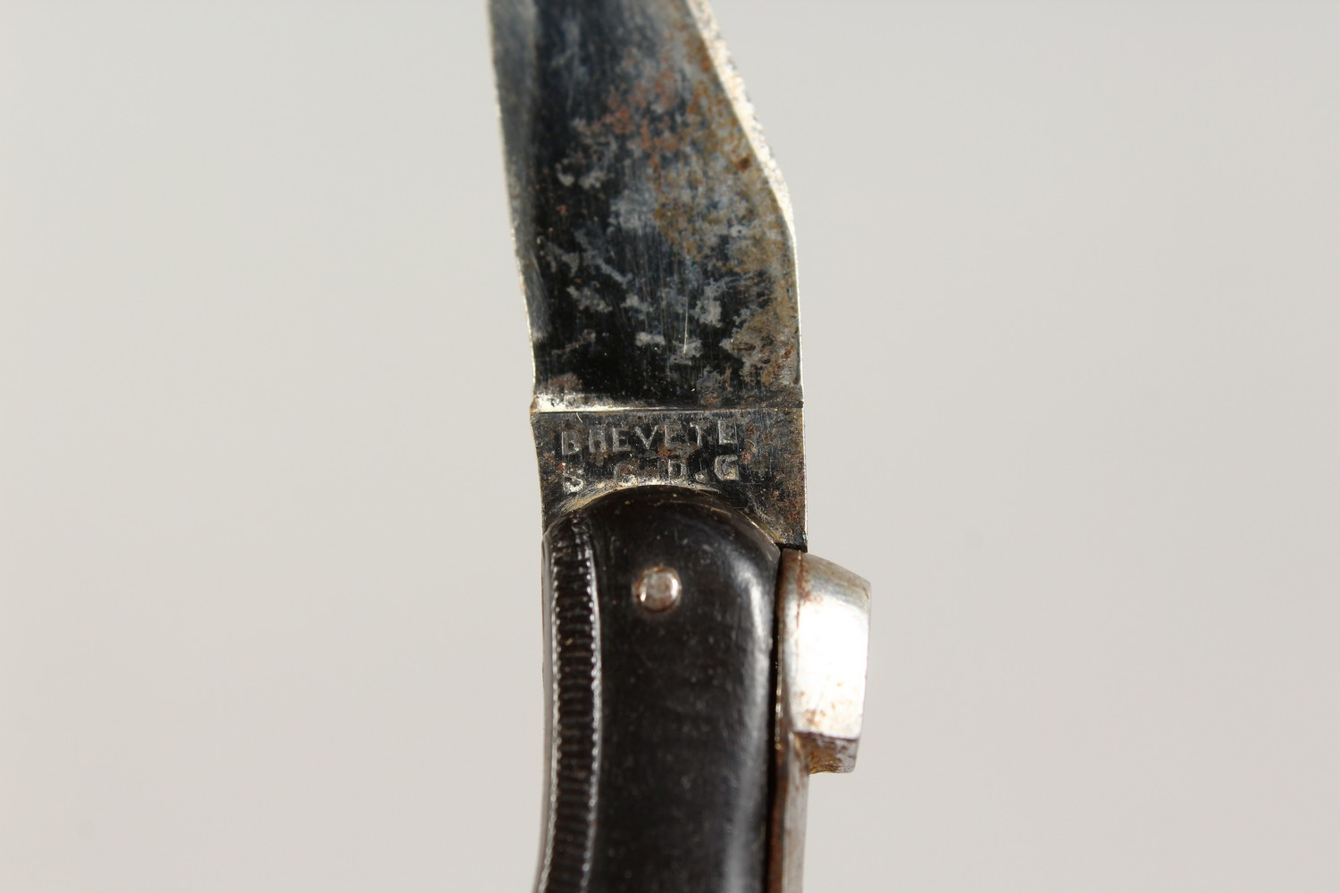 Lot 1773 - A 19TH CENTURY SHOE SHAPED FOLDING KNIFE. 2.5ins long.