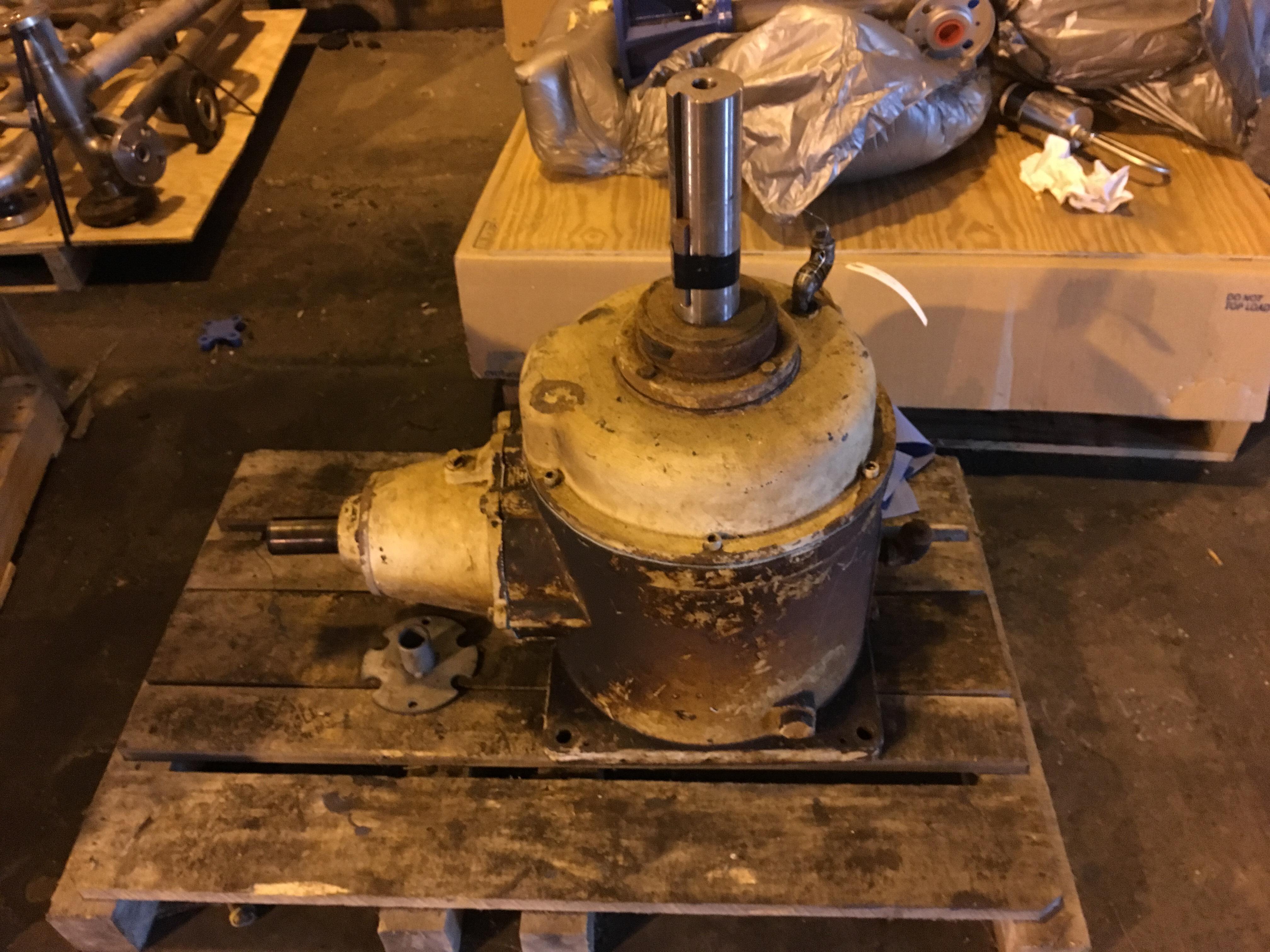 Lot 29D - Right angle gear box, 65 HP, 6:1 ratio, Amarillo Gear Co.