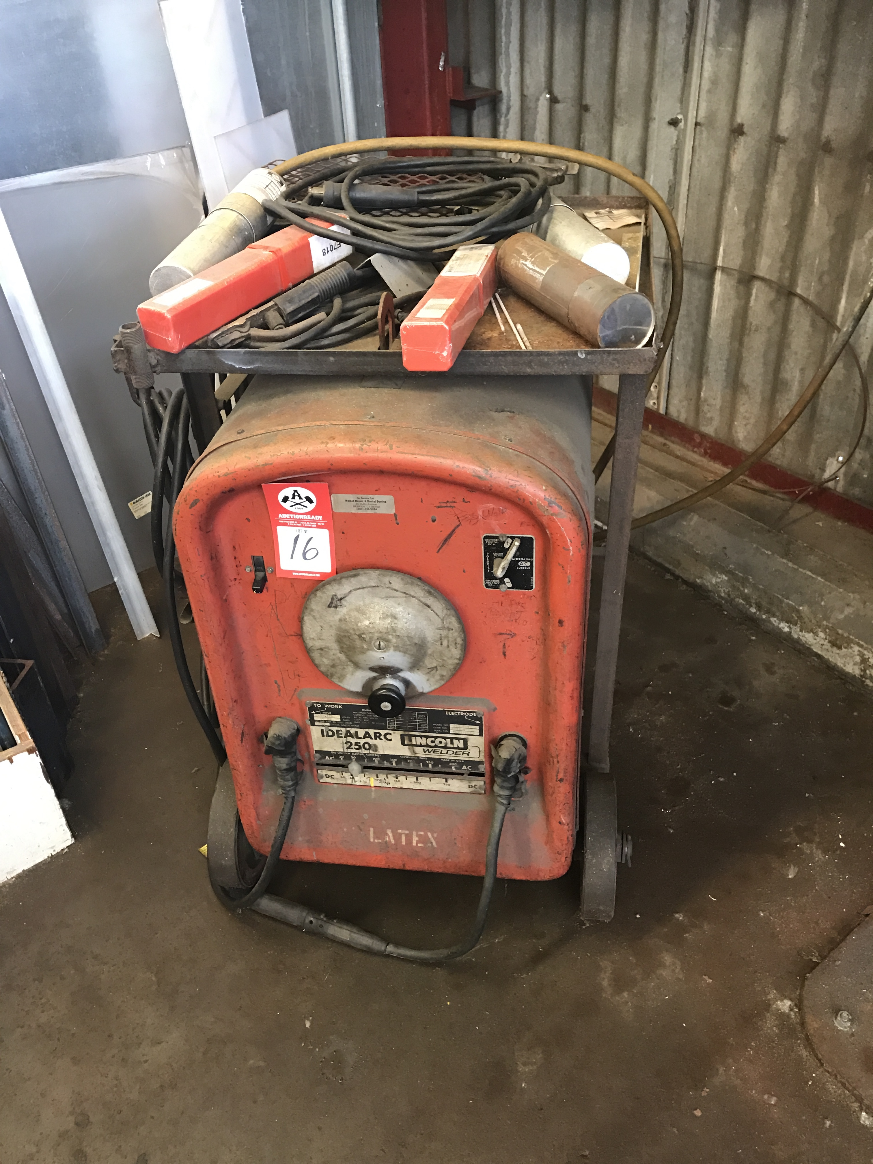 Lot 16 - Welder, Lincoln Idealarc 250 stick welder
