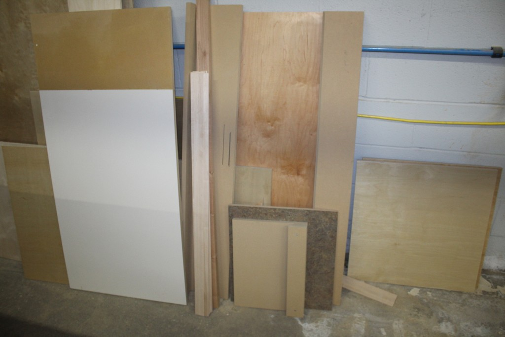 LARGE QTY OF WOOD AGAINST WALL - Image 3 of 3