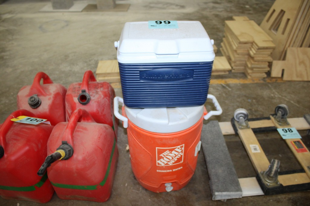 HOME DEPOT WATER COOLER AND RUBBERMAID COOLER