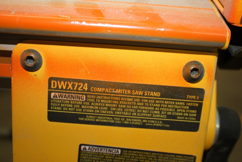 DEWALT MODEL DWX724 COMPACT MITRE SAW STAND - Image 2 of 2