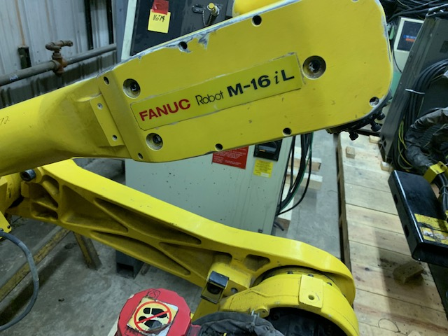 Lot 16 - FANUC ROBOT M-16i/L WITH RJ3 CONTROLLER, LOCATION MI