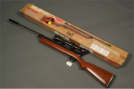 Crosman 2260 CO2 bolt action air rifle fitted with Optalens Initial