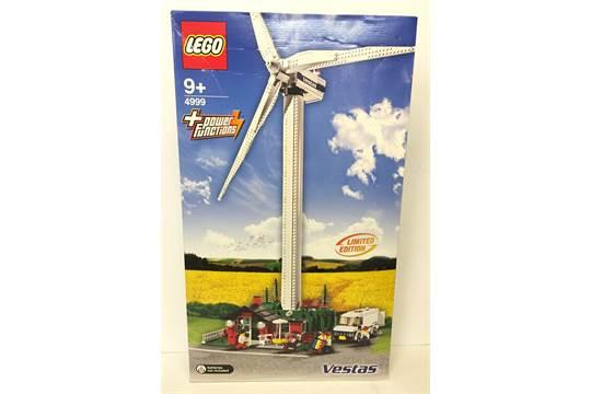 Lego #4999 Vestas Wind Turbine Set with power functions