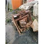 3' Excavator Digging Foot Bucket, 5 ton