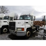 Lot 8 - 2002 MACK CH613 TRUCK TRACTOR, MACK 6 CYL. TURBO DIESEL, 10-SPD. HI-LOW MAN. TRANS., T/A, AIR
