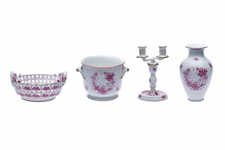Blumentopf, Blumenvase, Kerzenständer und Früchtekorb