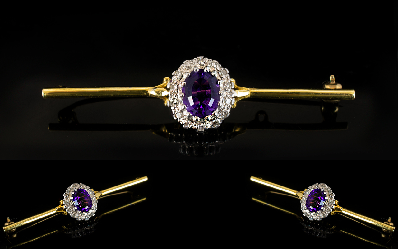 Lot 59 - 18ct Gold Diamond Bar Brooch The central